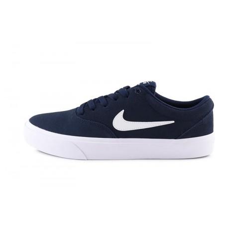 Deportiva serraje azul con cordón y suela blanca Nike Charge