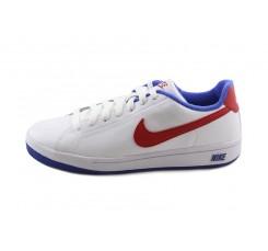 Deportiva blanca con símbolo rojo con cordón Nike