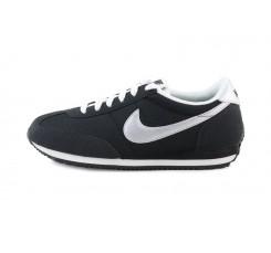 Deportiva negra con cordón Oceania Nike
