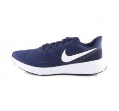 Deportiva azul con simbolo blanco y cordón Nike Revolution 5