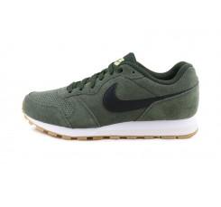 Deportiva verde militar con simbolo negro Nike Runner