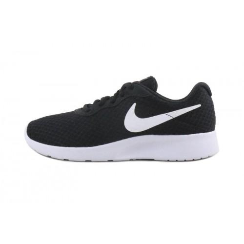 Deportiva negra y blanca con cordón Nike Tanjun
