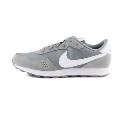Deportiva con cordón gris claro Valiant Nike