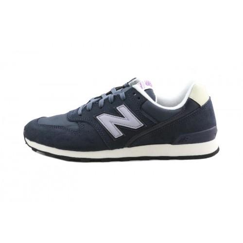 Deportiva azul con N lila con cordón WR996 New Balance