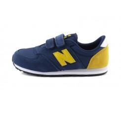 Deportiva ante azul y N amarilla con dos velcros YV420 New Balance
