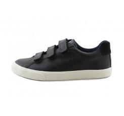 Zapatilla piel negra con velcro Veja