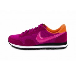 Deportiva fucsia con símbolo rosa Nike Airpegasus
