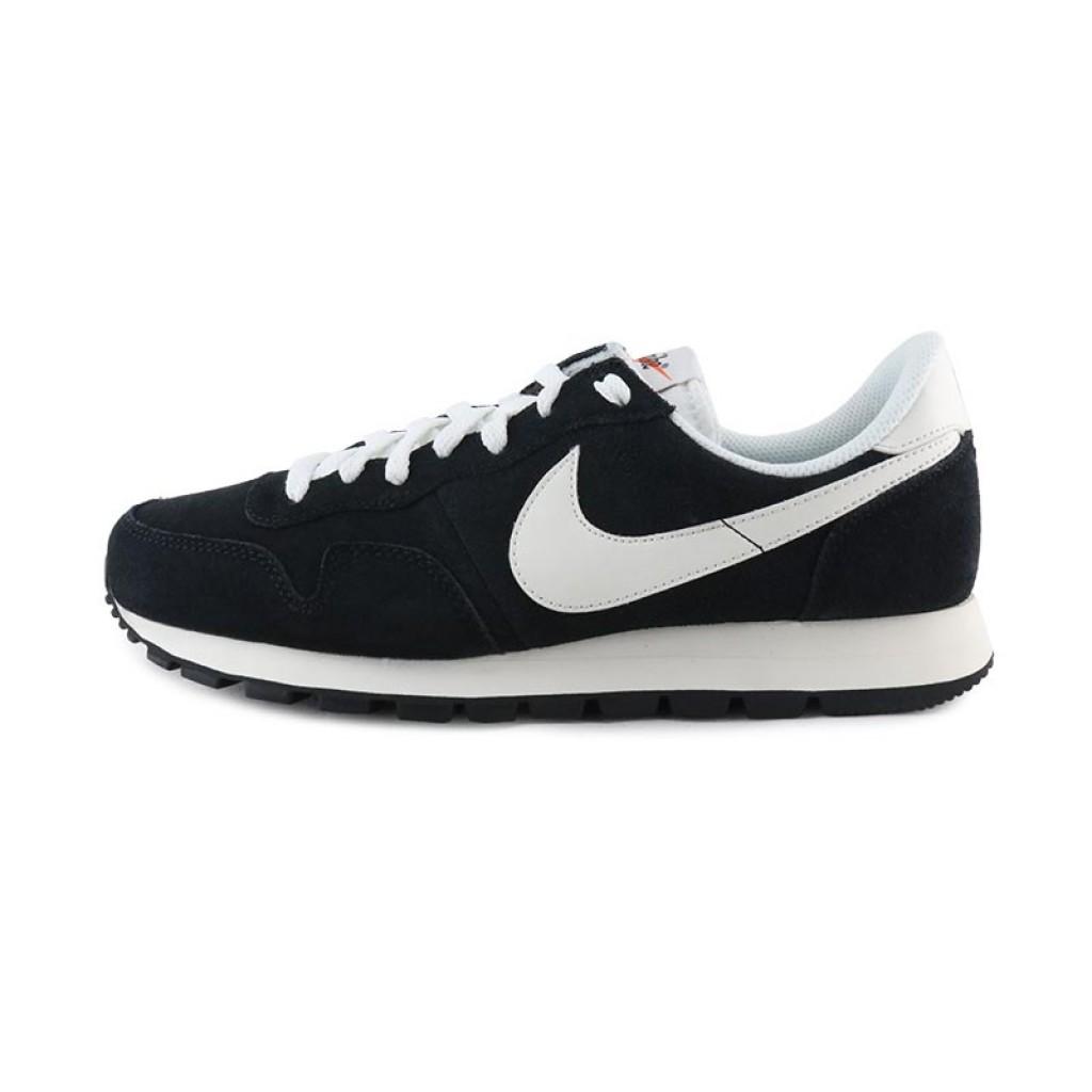 Deportiva negra con simbolo blanco con cordón Nike Airpegasus