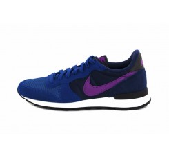 Deportiva azul con símbolo burdeos Nike Internationalist