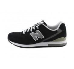 Deportiva serraje negro con N plata WRL996 New Balance
