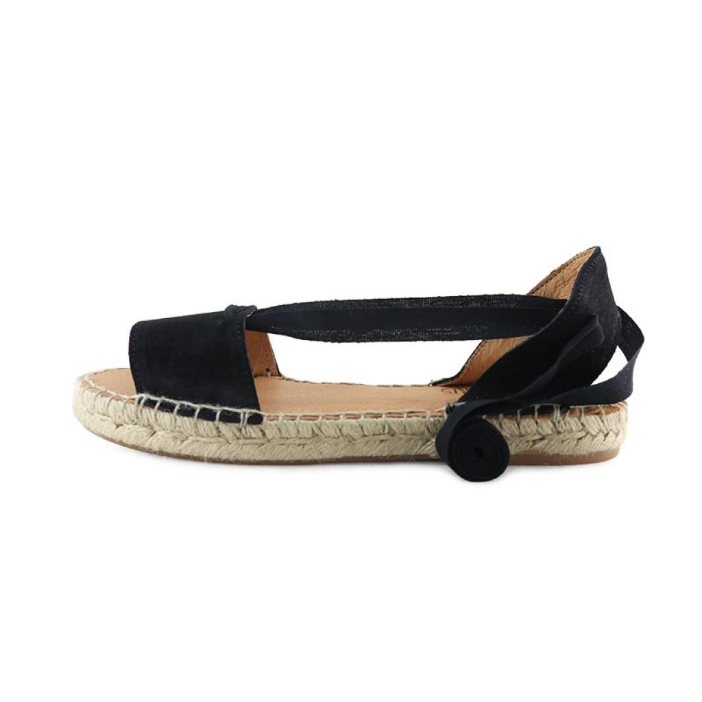 Sandalia con cintas abierta ante negro Pepa y Cris