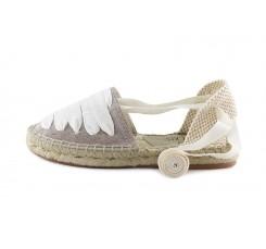 Alpargata con cintas empeine beige lavado Pepa y Cris