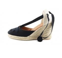 Sandalia de esparto cerrada en color negro con cintas Pepa Y Cris