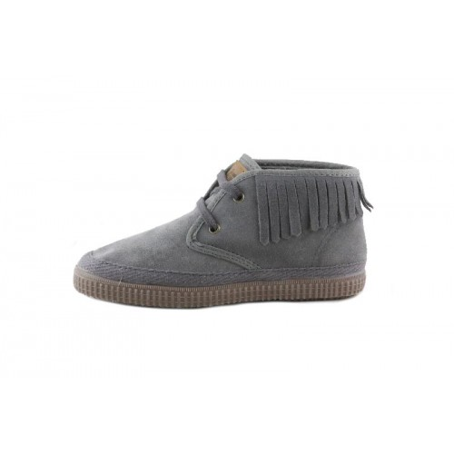 Bota ante color gris con flecos Natural World