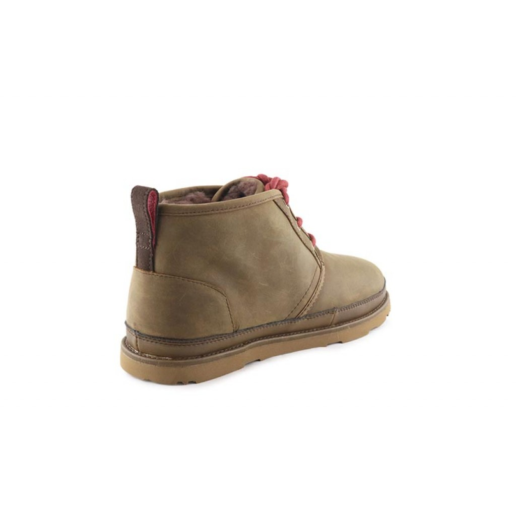 Bota marrón con cordón waterproof  UGG