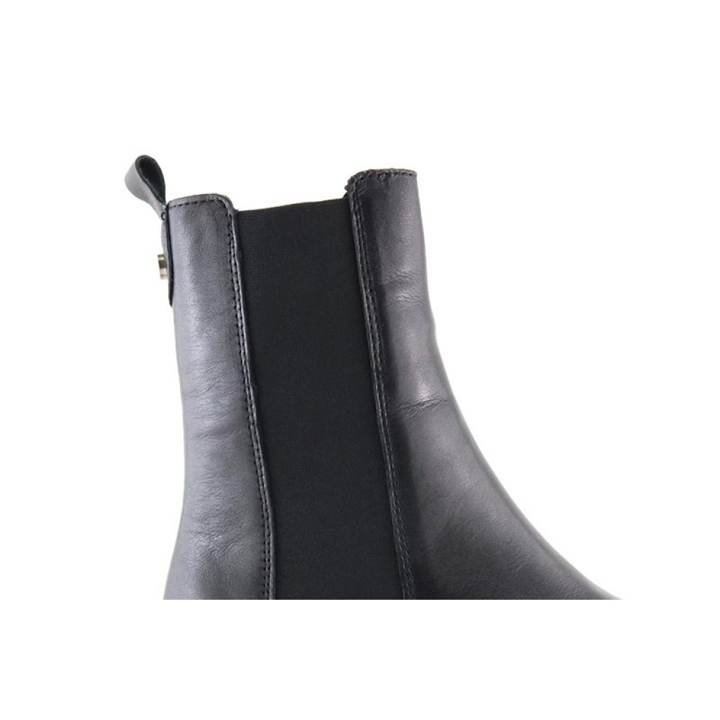Botín piel negra de caña alta con elásticos Alpe 4082
