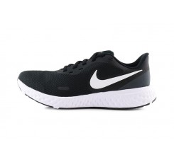 Deportiva negra cordón Nike Revolution 5