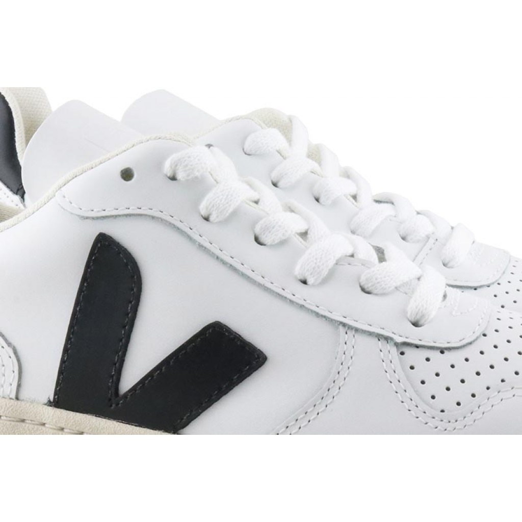 Deportiva piel blanca/negro con cordón Veja V10