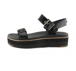 Sandalia de plataforma en charol negro y hebilla Angie Ugg