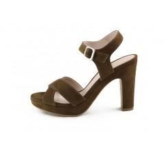 Sandalia ante marrón cruzada con tacón Joni