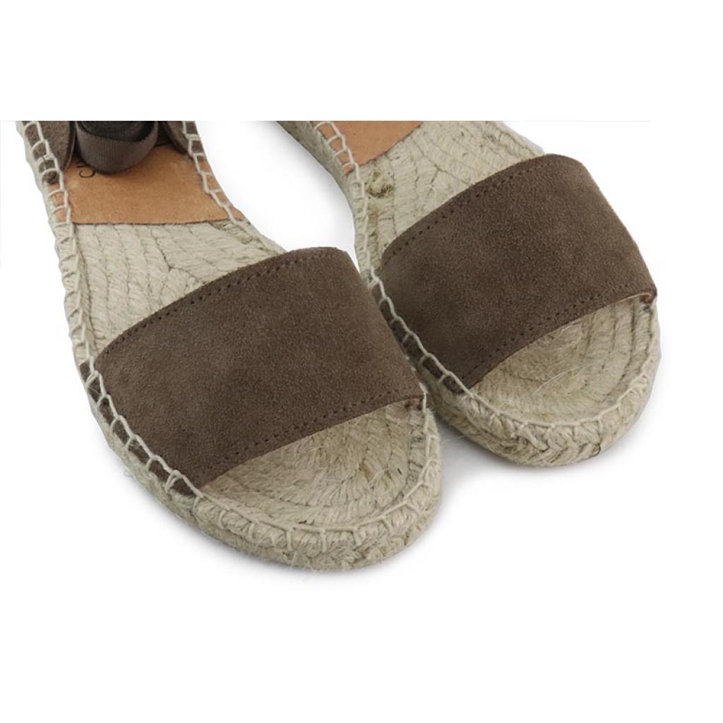 Sandalia abierta ante lodo con cintas Pepa & Cris