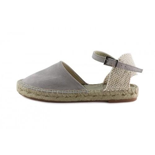 Sandalia gris claro con hebilla y suela de esparto Pepa y Cris