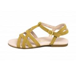 Sandalia con tiras cruzadas color cuero claro Unisa