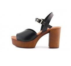 Sandalia con tacón de madera en piel negra 220v Limone