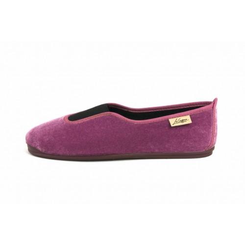 Zapatilla para casa terciopelo color ciruela La Cadena