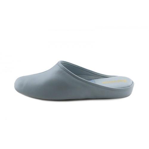 Zapatilla chinela piel celeste con costura Jeromín