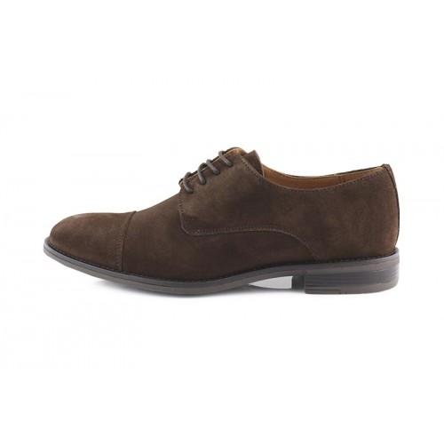 Zapato serraje marrón con costura en la puntera y cordón Ric.Bel 121099