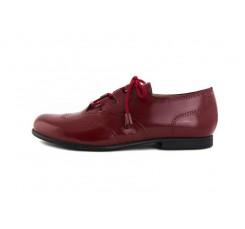 Zapato piel picado brillante guinda cordón cruzado Jeromín