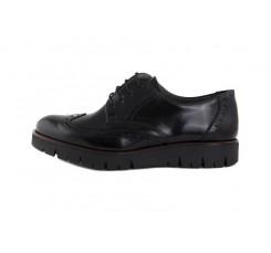 Zapato piel negro con suela alta y cordón Jeromín