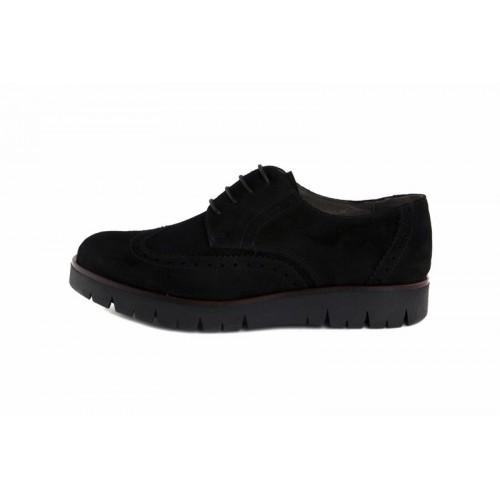 Zapato ante negro con suela alta y cordon Jeromín